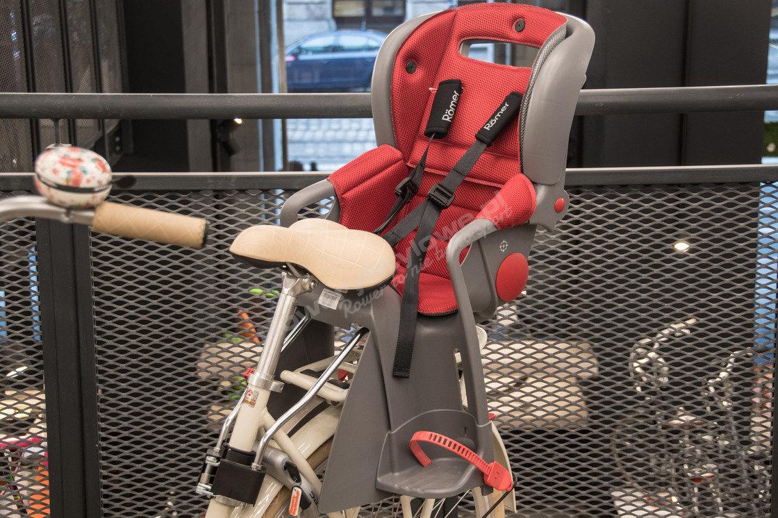 8cbf6ac7ade2af tylny fotelik rowerowy mocowany do ramy do 22kg romer jockey lisa ...