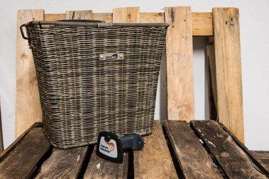 Koszyk rowerowy New Looxs Sumatra - rattan 25 litrów