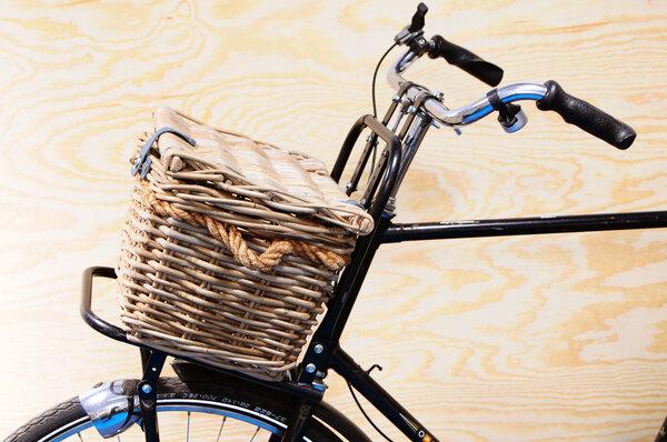 Wiklinowy koszyk rowerowy New Looxs Melbourne jasnobrązowy
